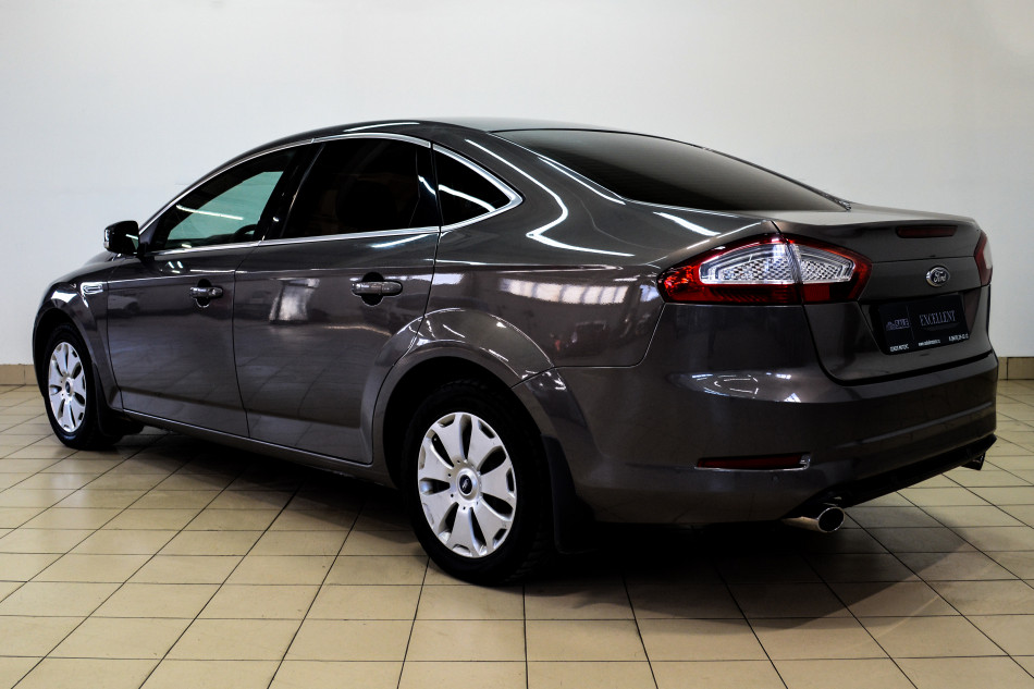 Ford_Mondeo_J18492