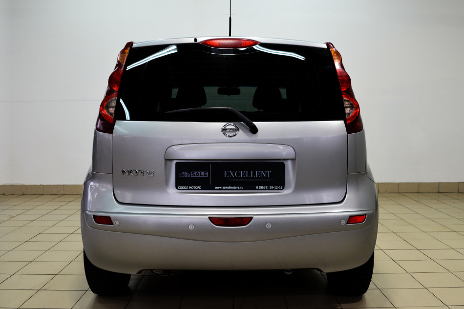 Nissan_Note_182049
