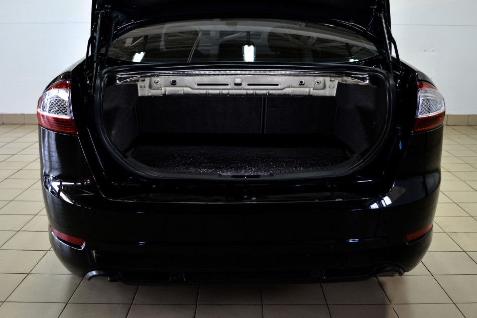 Ford_Mondeo_G37849